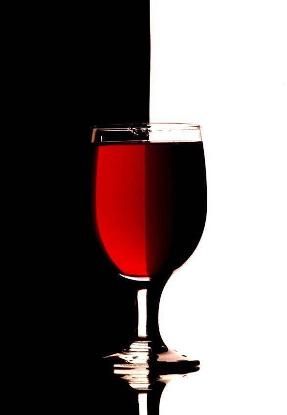 Copa vino fondo blanco negro zen for Copa vino blanco