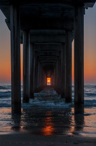 atardecer-mar-muelle-sol-by-john-h-moore